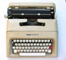 Royal Olivetti Lettera 35  Portable Manual Typewriter (Lettera 35)
